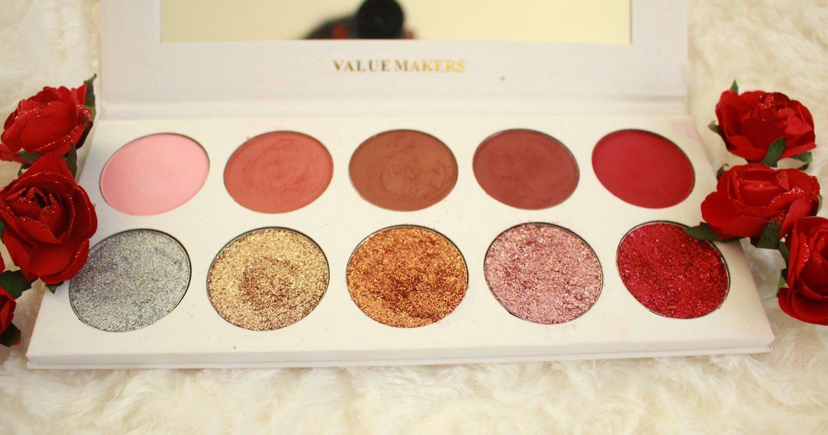 Glitter and Eyeshadow : la Palette idéale pour un maquillage de fêtes