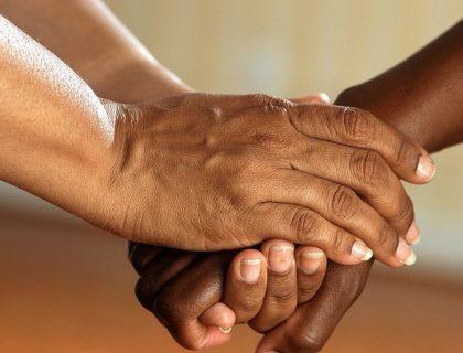 5 produits naturels pour soigner ses mains desséchées par le froid