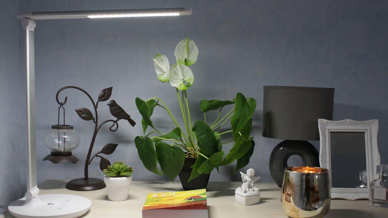 Comment Customiser Une Lampe De Chevet revue déco : je teste une lampe de bureau | mademoiselle aelle