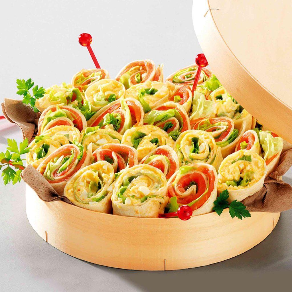 Pagnote de wraps saumon et oeufs mimosa 30 pièces