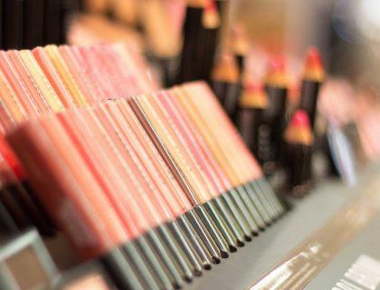 Ce que chaque débutant doit avoir dans sa trousse de maquillage