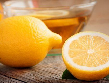 Comment utiliser le jus de citron dans sa routine beauté