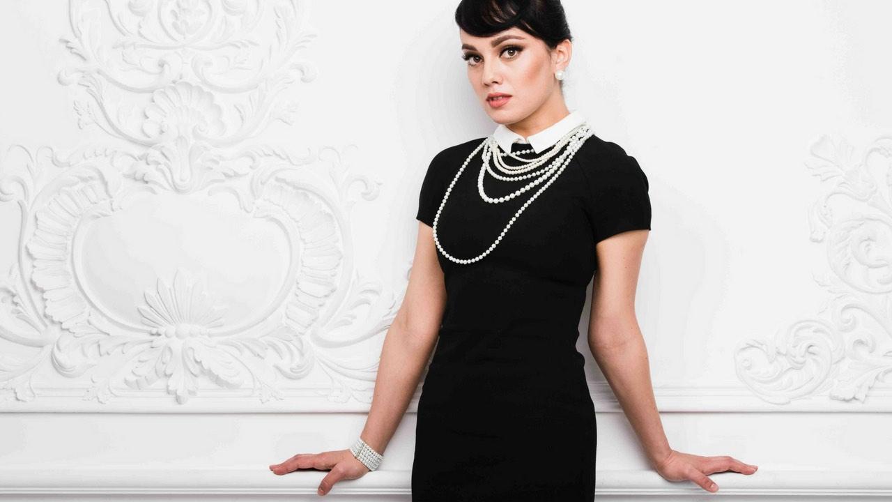 Quel bijou avec robe dentelle noire