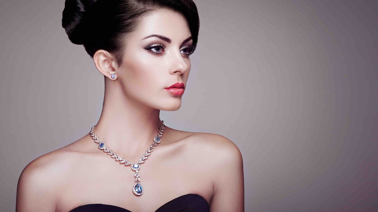 Comment choisir la longueur de collier la plus flatteuse pour votre silhouette ?