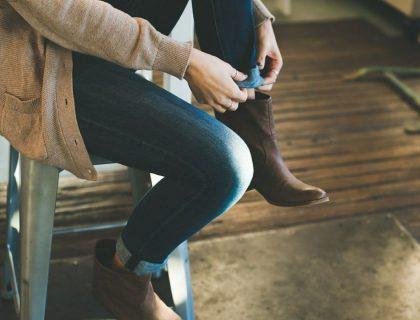 Comment bien porter un jean de coupe straight?