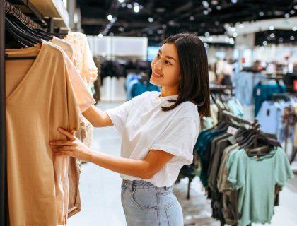 Quelques conseils de mode pour trouver ce qui va vraiment avec votre petite taille